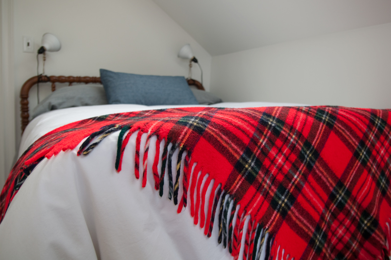 red-tartan-blanket-detail