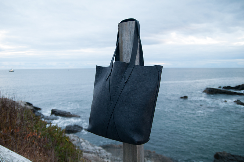 Infinity Tote in Navy